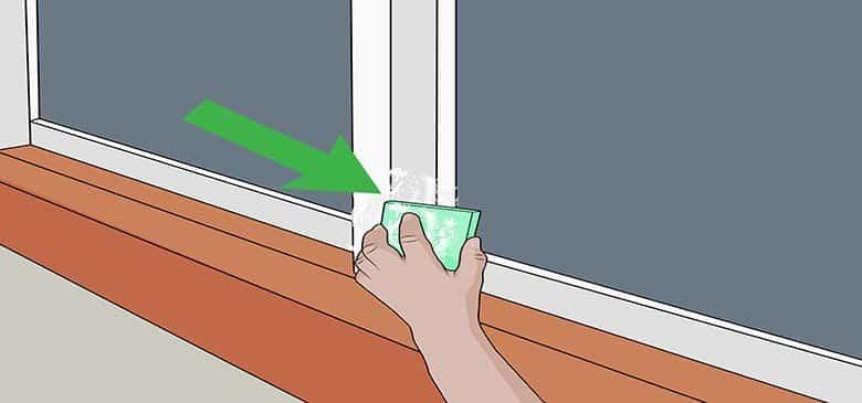 تنظيف إطارات الأبواب والنوافذ المصنوعة من الألومنيوم