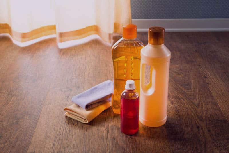تنظيف وتلميع الباركيه